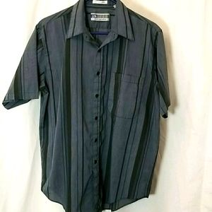 Untied Mens Shirt Size Large